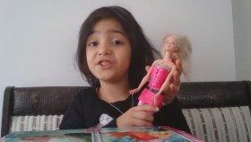Barbie Ajan,Winx Noise,Monster High Draculaura tanıtıyor.- Zeynep is promoting Barbie ,Winx ,Monster