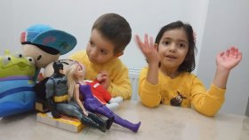 Nil İle Masallar -  Pepe -Bebe - Barbıe Ajan - Batman Uyuyan Prenses İ Dinliyor...