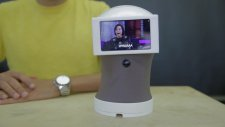Tamamen Gıf'lerle Konuşan Sevimli Robot İcat Eden Mucit