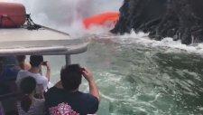 Turist Kamerasından Lavların Denize Dökülme Anı