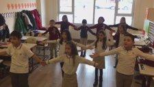 Halay Gel Yanıma Gir Koluma Öğrenci Etkinliği Tekirdağ Mektebim Okulu