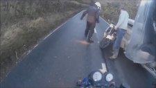 Motor kazası kaçan golf