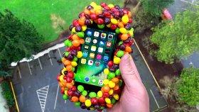 iPhone 7, Skittles Şekerleri ile Sarılıp Fırlatılırsa