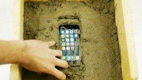 İphone 7 Üzerine Çimento Dökülürse Ne Olur?