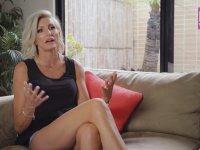 Dünyanın En Uzun Bacaklı Kadını - Caroline Arthur