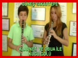 Çaykovski Kuğu Gölü Obua Ve Klarinet İle Harika Düet İlginç Nefesli Aletler Küçük Çocuk Müzisyen Min