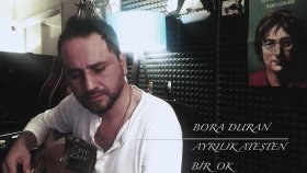 Bora Duran - Ayrılık Ateşten Bir Ok (Akustik Canlı Performans)