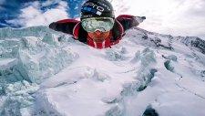 Alp Dağları'nın Zirvesinden Wingsuit ile Kartal Gibi Süzülmek