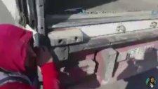 Kaçak Sigara Yakalatınca Flash Tv Oyunculuğu Sergileyen Şoför