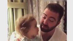Baba Diye Seslenişine Hayran Kalınan Aşırı Tatlı Bebek