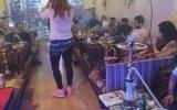 Yeni Nesil Şanzelize, Cafe de More