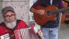 Akordeon'la İzmir ve 10. Yıl Marşı