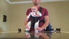 Babası ile Müthiş Dans Eden Bebek