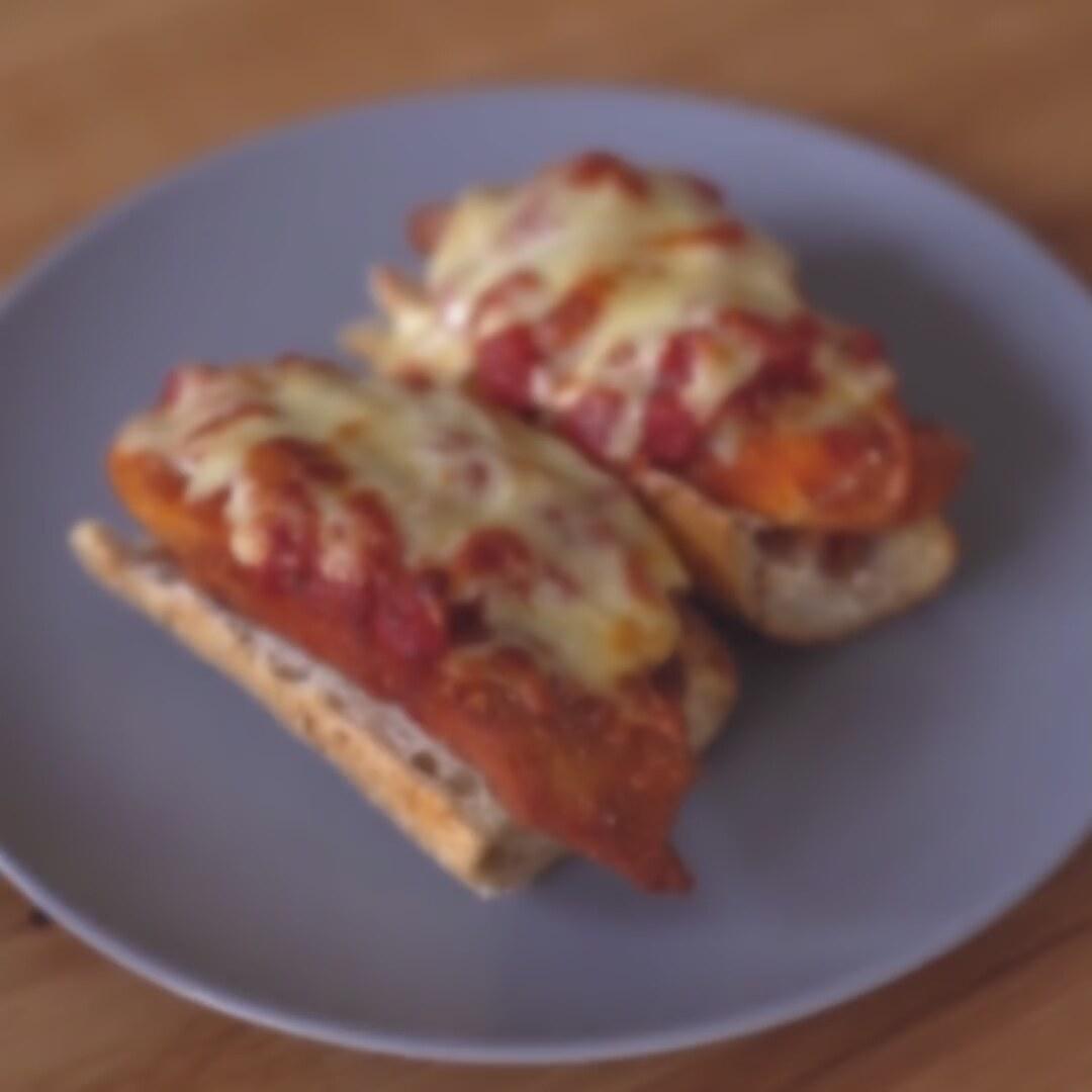 Ekmek Üstü Pizza Tarifi Videosu