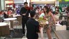 Yaptığı Evlenme Teklifi Kalabalığın Ortasında Ters Tepip Rezil Olan Genç