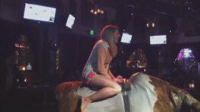 Rodeo Yaptığına Pişman Olan Genç Kız
