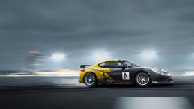 257 Kilometre Hızla Spin Atarak Tek Çizik Bile Almayan Yarış Aracı