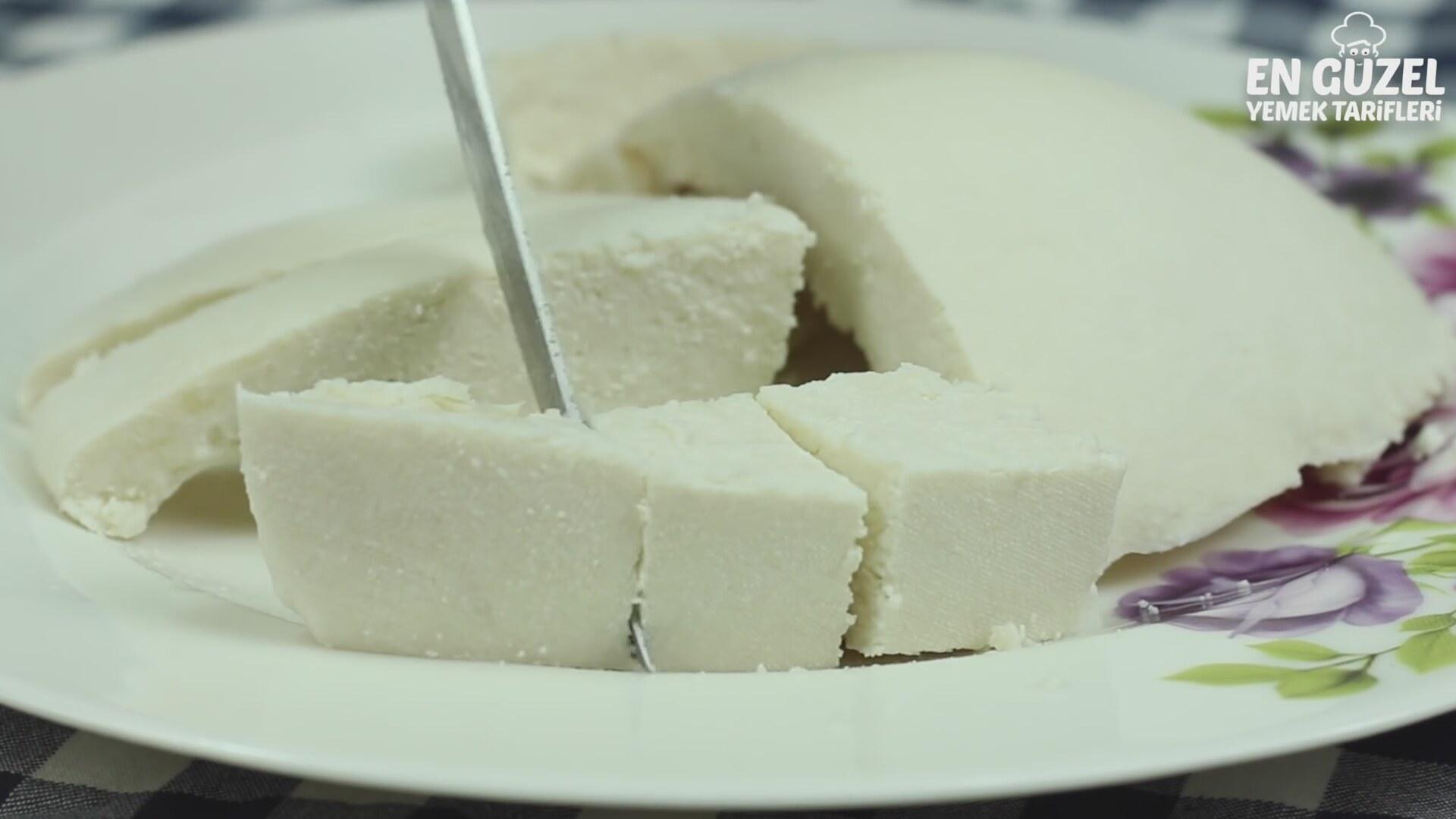 Fırında pişen kavunlar: lezzetli atıştırmalıklar ve doyurucu ikinci kurslar 75