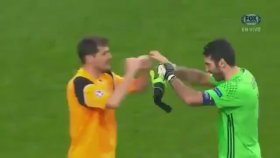 İki efsane kaleci Buffon ve Casillas