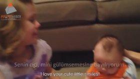 Kardeşinin Hep Bebek Kalmayacağını Öğrenen Minik Kızın Çöküşü