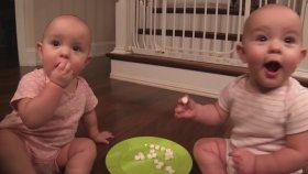Kardeşiyle Şekerleme Dolabını Patlatan Minik