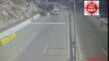 Hatay'da Akılalmaz Kaza Kamerada! Seyir Halindeki Aracın Üzerine Otomobil Düştü