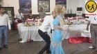 Düğünde Kızlardan Çılgın Dans
