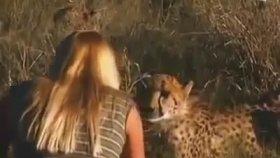 Vahşi Hayvan Terbiyecisi Güzel Kadın