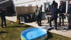 Çocuk Havuzuna Bungee Jumping Atlayışı (Kamera Şakası)