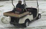 Golf Arabası İle Drift Yapan 91 Yaşındaki Nine