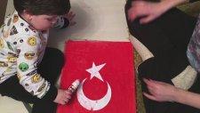 Demir'in Bayrak Sevgisi