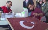 Kanlarıyla Türk Bayrağı Boyayan Üniversite  Öğrencileri