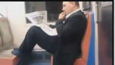 Metroda Yarım Kilo Sümük Yiyen Adam