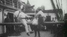 1901 Yılında Gemide Yapılan Yastık Savaşı