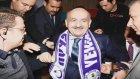 Bakan Müezzinoğlu Selfie Çekilirken Platform Çöktü