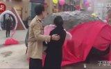 Evlenme Teklifini Meteor Taşıyla Yapan Çinli