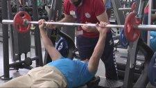 Vücut Geliştirme Şampiyonasına Hazırlanan 70'lik Ruhi Dede