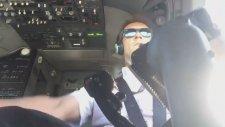 Uçağını İndirirken Ecel Terleri Dökülen Pilot