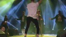 Demet Akalın'a Eşsiz Dansını Gösteren Kerimcan