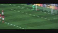 Victor Valdes'in Manchester United maçında performansı