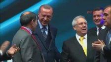 Cumhurbaşkanı Erdoğan Ve Aziz Yıldırım'ın Kol Kola Girmesi