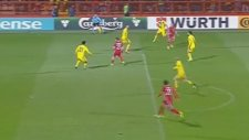 Aras Özbiliz'in Kazakistan'a attığı gol
