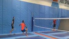 Uçarak Badminton Oynayabilir Misiniz?