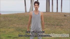 Öpüşme cezalı göz kırpmama oyunu Türkçe Altyazı