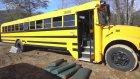 Okul Otobüsünü Mükemmel Bir Eve Dönüştüren Çift