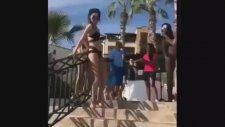 Kendall Jenner'ın Trabzandan Kayarken Yere Kapaklanması