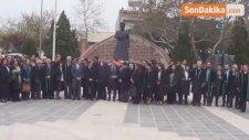 Avukatlardan Atatürk Anıtı'na Çelenk