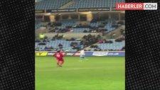 Yakubu, Swindon Maçında 2.5 Dakika Hiçbir Şey Yapmayınca Kovuldu