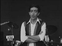 Gidenlerin Türküsü - Edip Akbayram (1979)