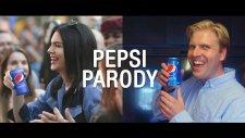 Kendall Jenner'lı Pepsi Reklamına Yapılan Parodi